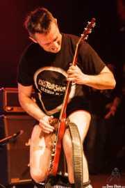 """Josu """"Distorsión"""", cantante y guitarrista de Distorsión, Kafe Antzokia, 2014"""