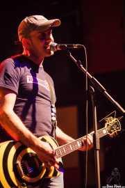 Sergio, guitarrista y cantante de Nasti de plasti, Kafe Antzokia, 2014