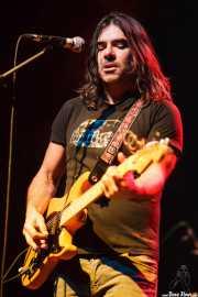 Iñaki Larrinaga, guitarrista y cantante de Hash, Kafe Antzokia, 2014
