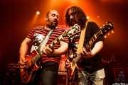 "Asier ""Indomable"" y Asier ""Pulpo"", guitarristas de Porco Bravo, Kafe Antzokia, 2014"
