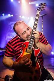 "Asier ""Indomable"", guitarrista de Porco Bravo, Kafe Antzokia, 2014"