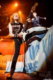 Janick Gers y Bruce Dickinson, de Iron Maiden, Bilbao Exhibition Centre (BEC), 2014