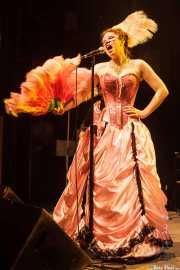 Miss Bertie Page, cantante de Bertie Page Clinic, Kafe Antzokia, 2014