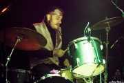 Tim Price, baterista de Bertie Page Clinic, Kafe Antzokia, 2014