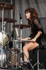 Úrsula Strong, baterista de Niña Coyote eta Chico Tornado, Azkena Rock Festival, 2014