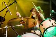 Julie Edwards, baterista y cantante de Deap Vally, Azkena Rock Festival, 2014