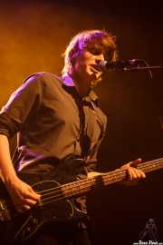 Nicolas Caumont, bajista y cantante de The Lookers, Kafe Antzokia, 2014