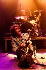 Mikel Toyos -guitarrista. y Charlie Hollocou -baterista-, de The Lookers, Kafe Antzokia, 2014