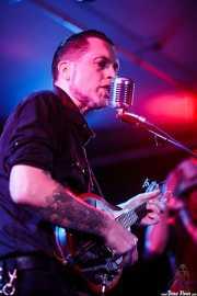 Timbo, guitarrista y cantante de Speedbuggy USA, con la mandolina, Centro Niemeyer, 2014