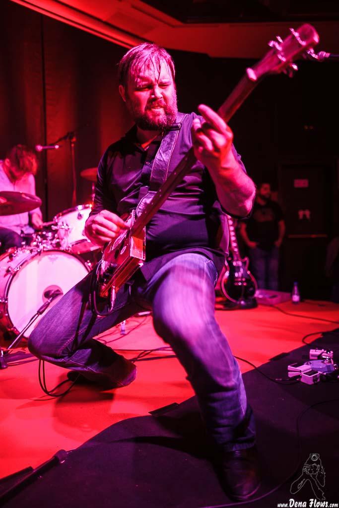 Aaron Arbuckle -guitarrista- y Kendall Newby -baterista-, de Moreland & Arbuckle, Kafe Antzokia, 2014