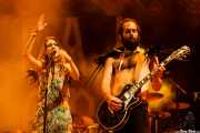"Ellie Fletcher ""Kyiki"", -cantante- y Graham Dickson -guitarrista- de Crystal Fighters, Bilbao BBK Live, 2014"