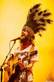 Sebastian Pringle, cantante y guitarrista de Crystal Fighters, Bilbao BBK Live, 2014