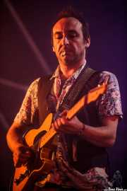 Raúl Arizaleta, guitarrista de El Columpio Asesino, Bilbao BBK Live, 2014