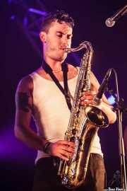 Álvar de Pablo, saxofonista de La Maravillosa Orquesta del Alcohol (La M.O.D.A.), Bilbao BBK Live, 2014