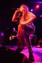 Tony Reflex- cantante- y Steve Soto -bajista- de Adolescents, Kafe Antzokia, 2014