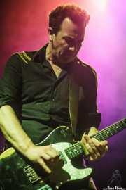 Dan Luscombe, guitarrista de The Drones, Kafe Antzokia, 2014