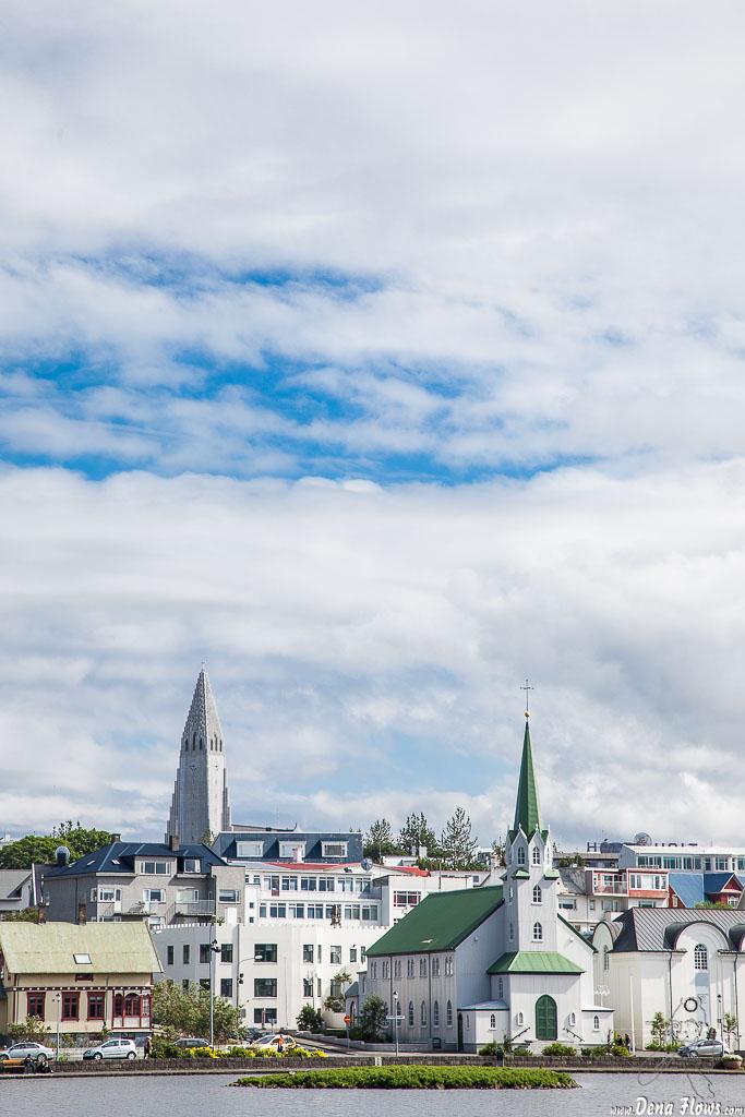 Hallgrimskirche (Guðjón Samúelsson, 1986) y Fríkirkjan í Reykjavík(Rögnvaldur Ólafsson, 1903), , 2014