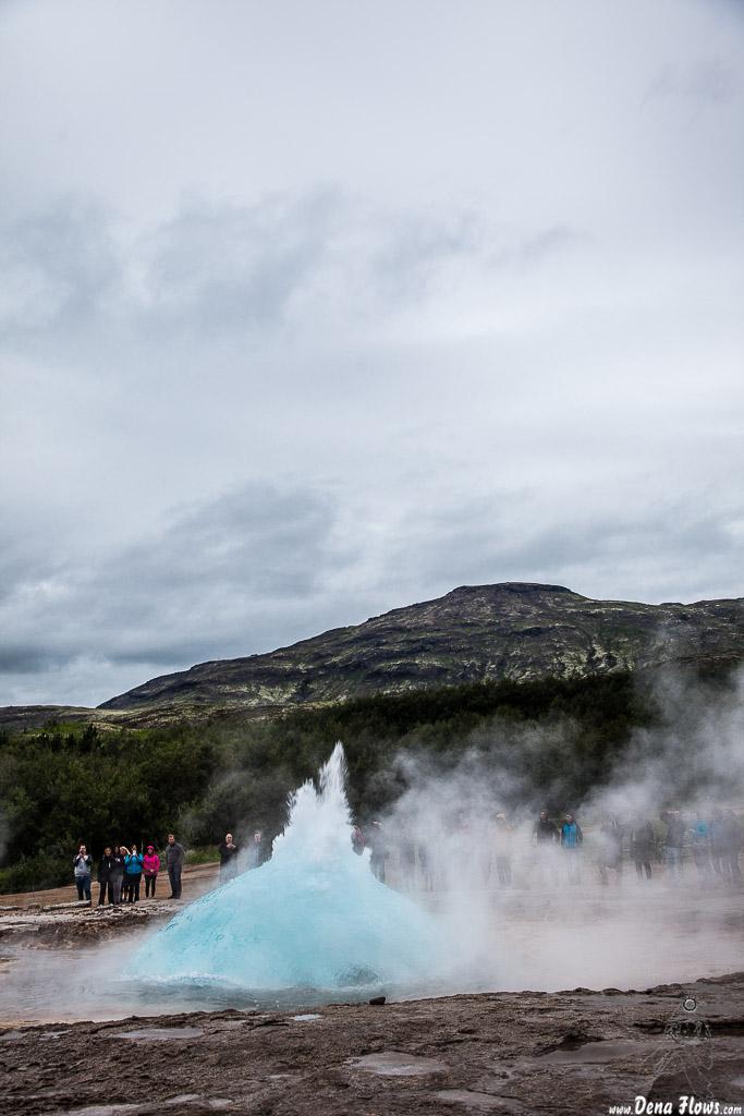 Erupción del géiser Strokkur, Geysir, Islandia, 2014