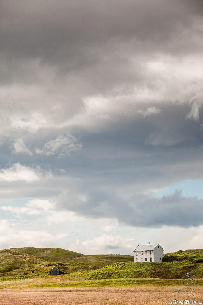 Casa de campo camino de Dyrhólaey (tejado verde - Turf roof), Islandia, 2014