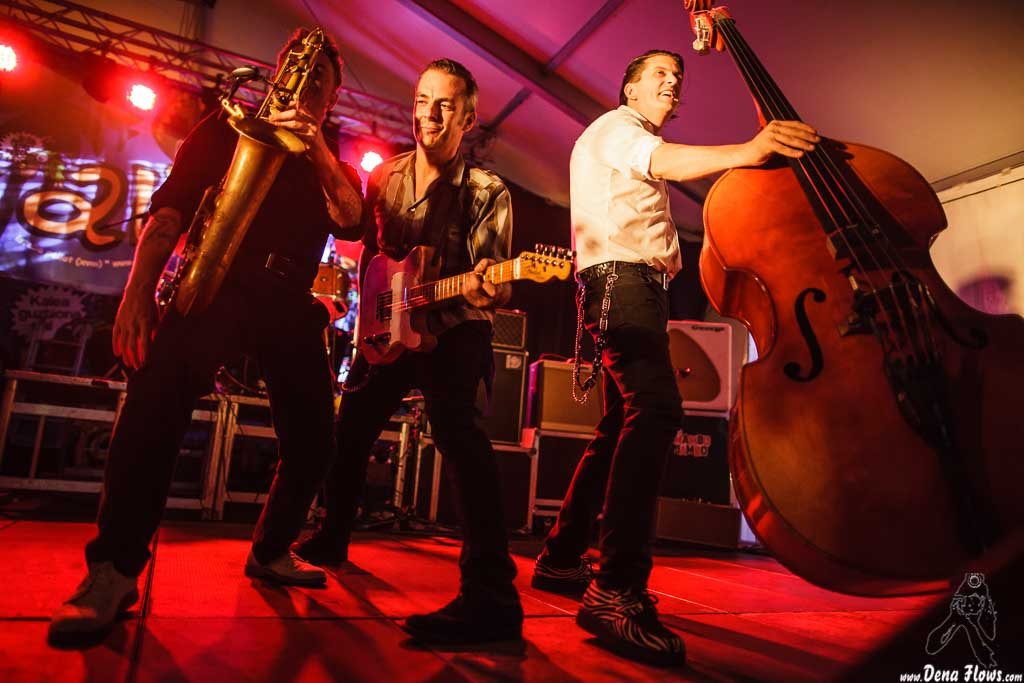 Dani Nel.lo -saxofonista-, Mario Cobo -guitarrista- e Ivan Kovacevic -contrabajista- de Los Mambo Jambo, Aste Nagusia - Algara Txosna. 2014