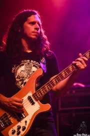 Jesse Trbovich, guitarrista de Kurt Vile & The Violators, aquí con el bajo (23/08/2014)