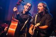 Eneko Cañibano -contrabajista- y Aitor Cañibano -guitarrista- de The Travelling Brothers (06/09/2014)