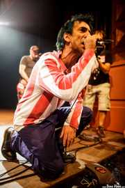 "Iñigo ""Txapelpunk"" Arrasate -cantante- y Neil O'Keeffe -bajista- de M.C.D. (06/09/2014)"