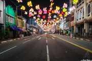 Calle de Chinatown engalanada con farolillos (14/09/2014)
