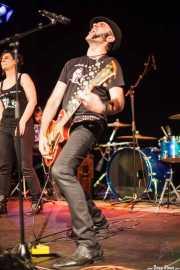 Luis Vil -guitarrista y cantante- y Juncal Altzugarai -cantante- de Luis Vil y la Mala Crianza (11/10/2014)