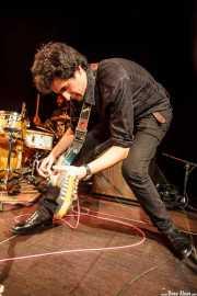Álvaro Luna -cantante y guitarrista- y Roberto Villar -baterista-, de Yellow Big Machine (25/10/2014)