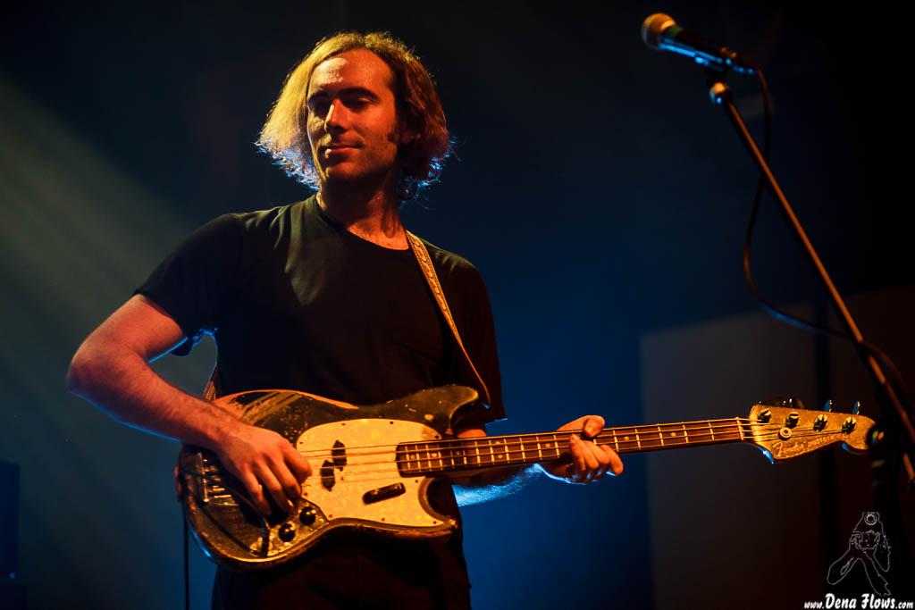 Spencer Dunham, bajista de Allah-las, Kafe Antzokia. 2014. Pinchar para ir a la galería completa