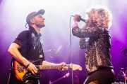 Ash Lamothe -guitarrista- y Elsa Gebremichael -cantante y teclista- de We Were Lovers, Kafe Antzokia. 2014