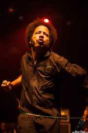 Boots Riley, cantante de The Coup, Kafe Antzokia. 2014