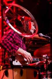 Andrew Barr, baterista, banjista y cantante de The Barr Brothers, Bilbao Exhibition Centre (BEC). 2014
