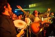 Javi González -baterista-y John Franks -cantante y guitarrista- de Smile, entre el público, Bilbao Exhibition Centre (BEC). 2014