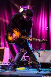 Ager Insunza, cantante, guitarrista, violinista, pedal steel guitar y teclista de Audience, Bilbao Exhibition Centre (BEC). 2014