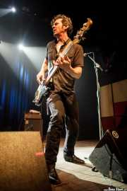 Ed Strohsahl, bajista de Nikki Hill, Kafe Antzokia. 2014