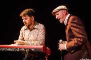 """Iñaki García """"Igu"""" -cantante y armonicista- e Iñigo Ortiz de Zárate -guitarrista y organista- de The Allnighters, Sala Cúpula (Teatro Campos Elíseos). 2014"""