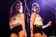 Verónica Ferreiro y Carolina García, coristas de Aurora & The Betrayers, Sala Stage Live (Back&Stage). 2014