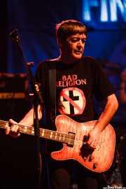 Ian McCallum, guitarrista de Stiff Little Fingers, Kafe Antzokia. 2014