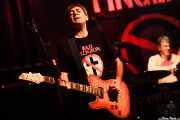 Ian McCallum -guitarrista- y Steve Grantley -baterista- de Stiff Little Fingers, Kafe Antzokia. 2014