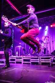 Barnaby Street Weissmuller -cantante-, Alain Number 9 -bajista-y Alexandre Fuggets -baterista- de The Gentlemen's Agreements, Purple Weekend Festival. 2014