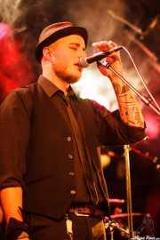 Dave Dagomsa, cantante (coros) de Carbayo, CAEM - Sala B. 2014