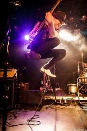 Dirty Chuky, guitarrista de Redneck Surfers, CAEM - Sala B. 2014
