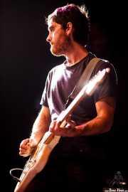 Ibai Gogortza, guitarrista de Joseba Irazoki eta lagunak (Kafe Antzokia, Bilbao, 2015)