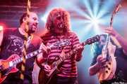 "Asier ""Indomable"" -guitarra-, Iñaki Antón ""Uoho"" -guitarra invitado- y Asier ""Pulpo"" -guitarra- de Porco Bravo, Santana 27, Bilbao. 2015"