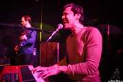 Seth Green -bajo- y Abe Wilson -teclado- de Sons of Bill, Kafe Antzokia, Bilbao. 2015