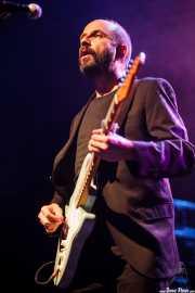 Josele Santiago, cantante y guitarrista de Los Enemigos, Kafe Antzokia, Bilbao. 2015