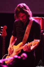 Fred Lyenn Jacques, guitarrista de The Faye Dunaways, Kafe Antzokia, Bilbao. 2015