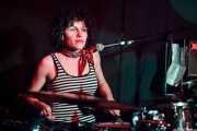Mariana Pérez Abendaño, baterista de Sonic Trash, Kafe Antzokia, Bilbao. 2015